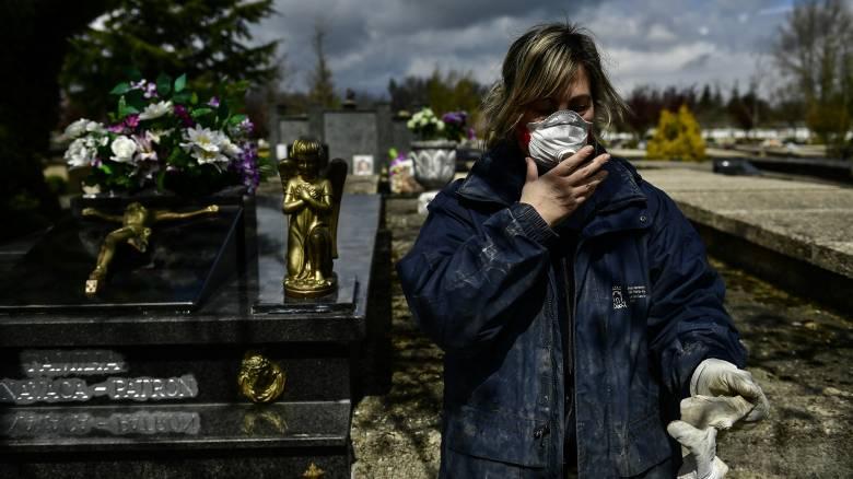 Κορωνοϊός: Άλλη μια μαύρη μέρα στην Ισπανία - 932 νέοι θάνατοι