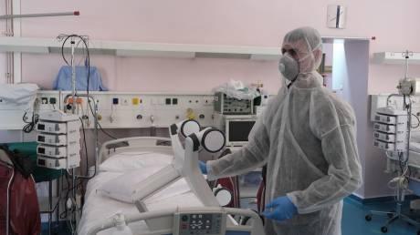 Κορωνοϊός: Πώς θα γίνεται η παρακολούθηση ασθενών στο σπίτι - Κέντρα Υγείας μόνο για COVID-19
