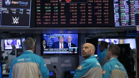 Κορωνοϊός: Ύφεση - σοκ σε ΗΠΑ και Ευρώπη προβλέπουν οι διεθνείς οίκοι