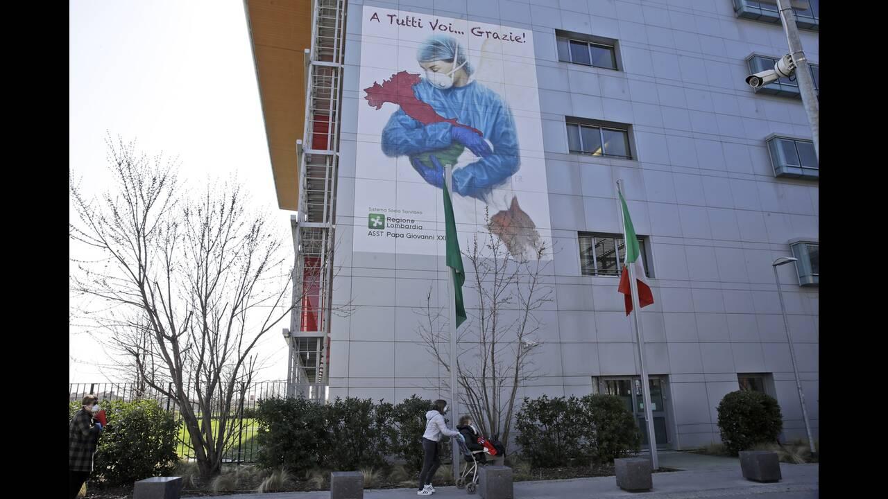 https://cdn.cnngreece.gr/media/news/2020/04/03/213940/photos/snapshot/giatroi_italia-1.jpg