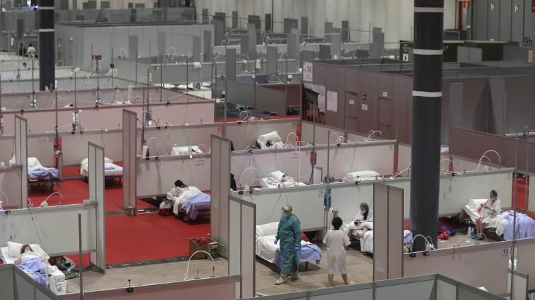 Κορωνοϊός: «Χαραμάδα» ελπίδας στην Ισπανία - Ελαφρά μείωση στον αριθμό των νεκρών