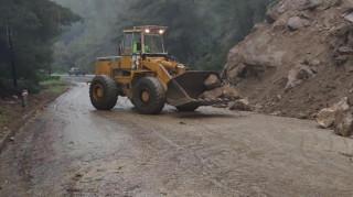 Χαλκιδική: Κατολισθήσεις και πλημμύρες σε σπίτια και καταστήματα λόγω κακοκαιρίας