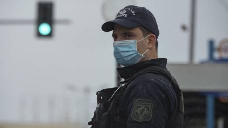 Κορωνοϊός - Χανιά: Παρέμβαση αστυνομικών σε εκκλησία με κόσμο - Περιπολίες έξω από ναούς