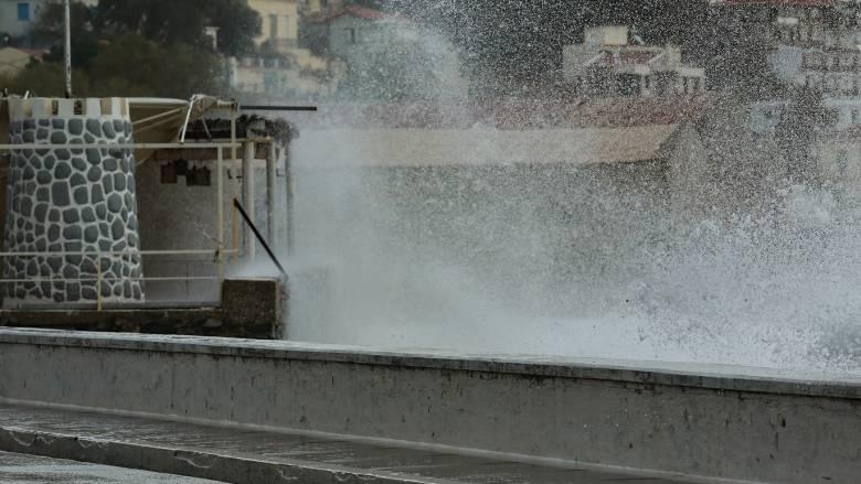 Κακοκαιρία: Σε κατάσταση έκτακτης ανάγκης η Σκιάθος - Καταστροφές και στο Πήλιο