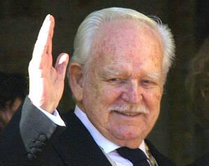 2005 Ο πρίγκιπας Ρενιέ ο Τρίτος του Μονακό, πεθαίνει στα 81 του χρόνια. Υπήρξε ο μακροβιότερος μονάρχης στην Ευρώπη.