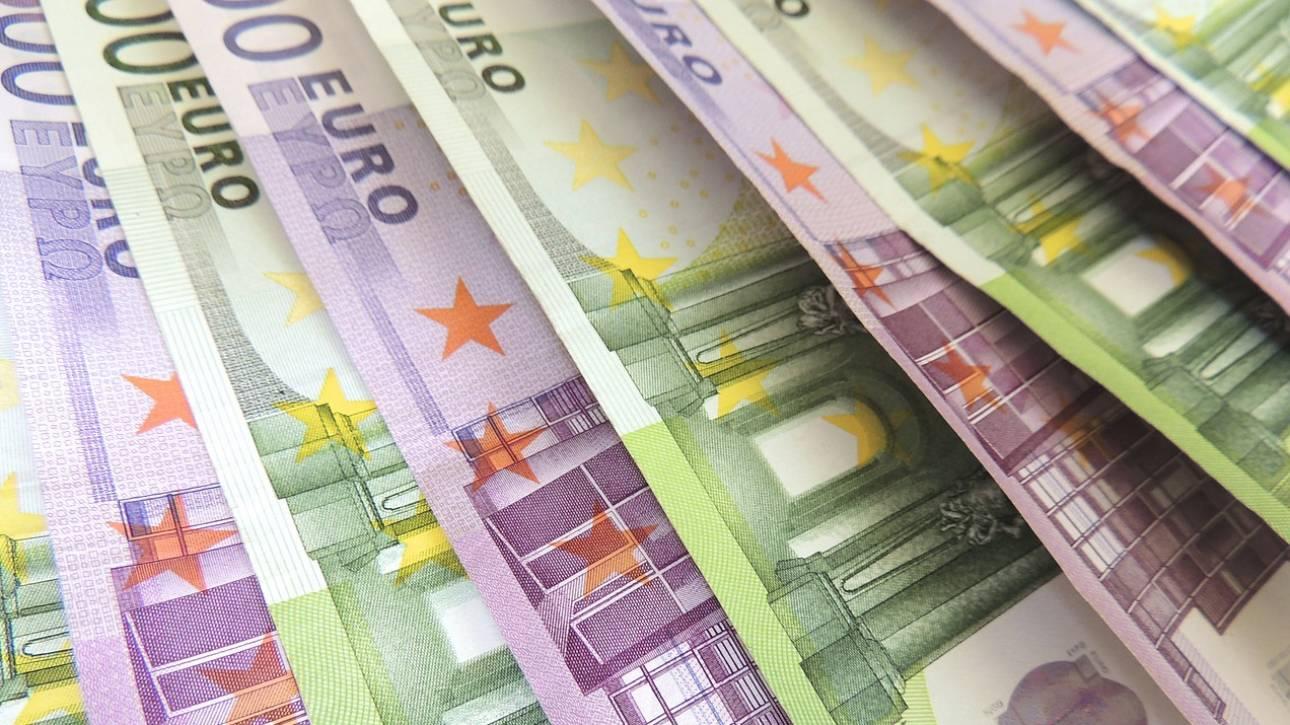 Κορωνοϊός: Πότε ξεκινάνε οι πληρωμές για δώρα, επιδόματα και συντάξεις