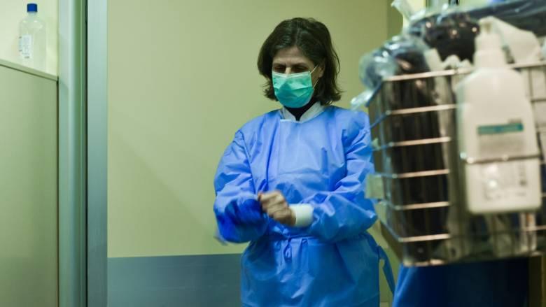 Κορωνοϊός: Πότε καταβάλλεται το έκτακτο βοήθημα σε γιατρούς και νοσηλευτές - Οι προϋποθέσεις