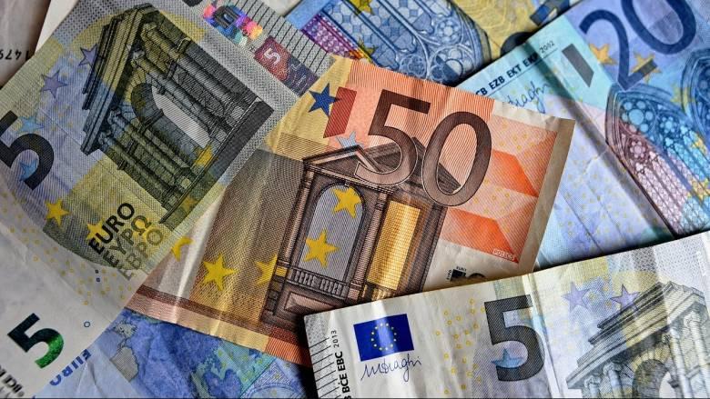 Κορωνοϊός: Σε τρία στάδια η καταβολή των 800 ευρώ
