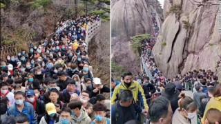 Ανησυχητικές σκηνές στην Κίνα: Γεμάτα τα αξιοθέατα της χώρας, παρά τις προειδοποιήσεις των ειδικών