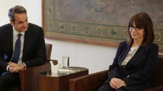 Τηλεδιάσκεψη Κυριάκου Μητσοτάκη με Κατερίνα Σακελλαροπούλου την Τετάρτη