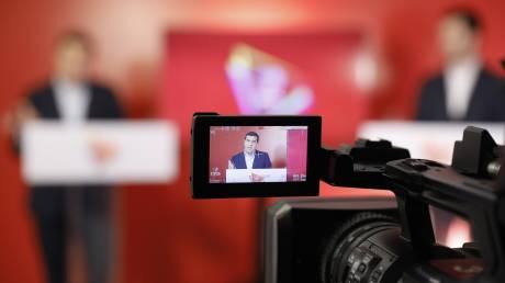 #ΜένουμεΌρθιοι: Αντιπαράθεση κυβέρνησης - ΣΥΡΙΖΑ για το κόστος των μέτρων