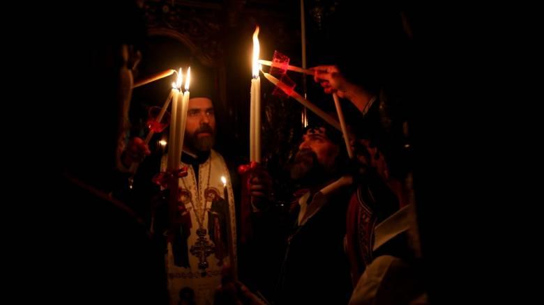 Κορωνοϊός: Ο δήμος Ελληνικού - Αργυρούπολης θα μεταφέρει το Άγιο Φως στα... σπίτια των δημοτών