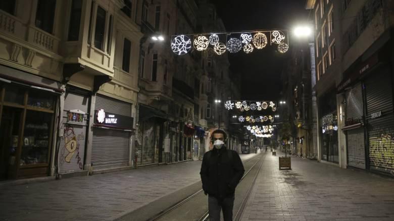 Κορωνοϊός: Χιλιάδες νέα κρούσματα στην Τουρκία