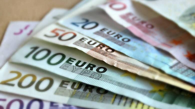 Πρόστιμο σε όσους απασχολούν εργαζόμενους ενώ είναι σε αναστολή – Πότε καταβάλλονται τα 800 ευρώ
