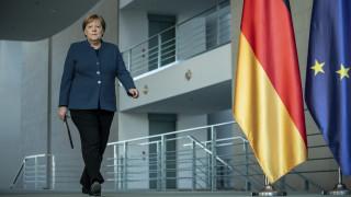 Κορωνοϊός: Η βαθιά ύφεση, ο διχασμός της Ευρώπης και ο πειρασμός της… λιρέτας