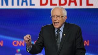 ΗΠΑ: O Μπέρνι Σάντερς αποσύρεται από την κούρσα για το χρίσμα των Δημοκρατικών