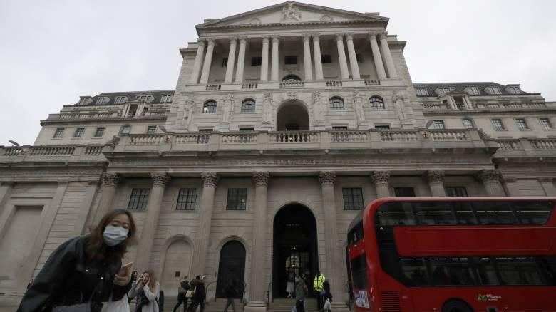 Νέα στήριξη της κεντρικής τράπεζας της Βρετανίας για την αντιμετώπιση του κορωνοϊού