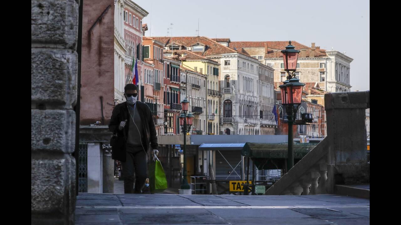 https://cdn.cnngreece.gr/media/news/2020/04/09/214666/photos/snapshot/Venice-4-Andrew-Medichini.jpg