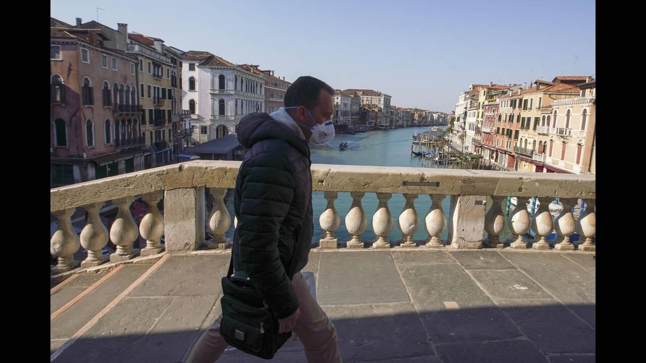 https://cdn.cnngreece.gr/media/news/2020/04/09/214666/photos/snapshot/Venice-5-Andrew-Medichini.jpg