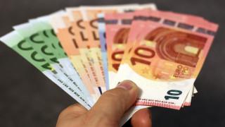 Κορωνοϊός - Επίδομα 800 ευρώ και Δώρο Πάσχα: Δείτε πότε καταβάλλονται