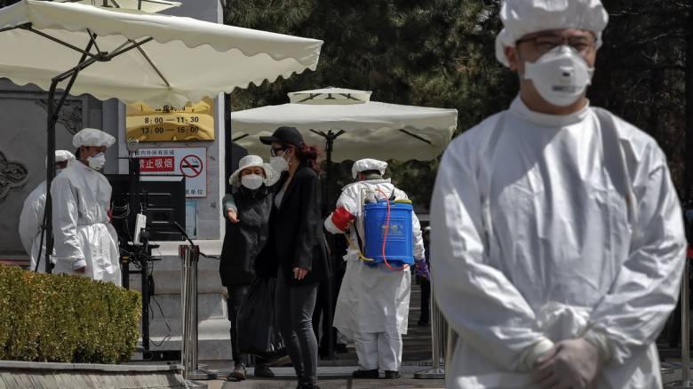Κορονοϊός στην Κίνα: Ένας νεκρός και 42 νέα επιβεβαιωμένα κρούσματα τις τελευταίες 24 ώρες