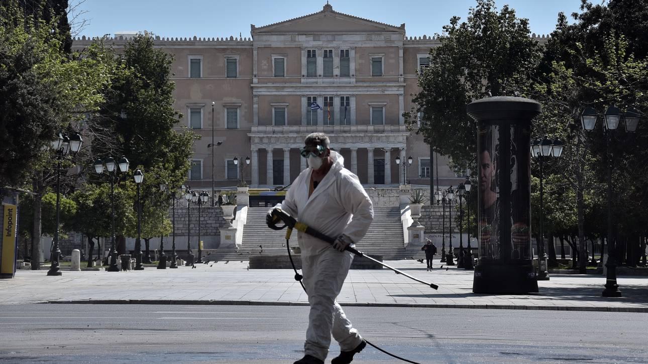 Έπαινοι Bloomberg: Η Ελλάδα μπορεί να περπατάει με το κεφάλι ψηλά για το πώς πολεμά τον κορωνοϊό