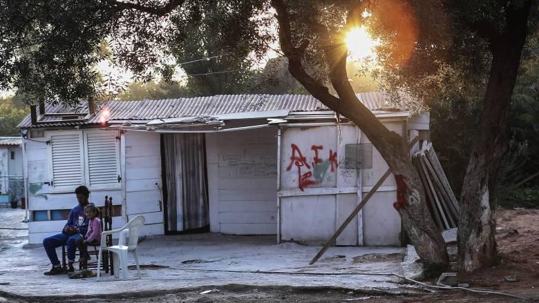 Πρόεδρος Ομοσπονδίας Ρομά Θεσσαλίας: Οι νέοι στον καταυλισμό δεν πιστεύουν πως υπάρχει κορωνοϊός