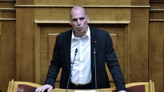 Απάντηση Βαρουφάκη για το ταξίδι στην Αίγινα: Μένω εκεί, πήγα στην Αθήνα για συνεδρίαση της Βουλής