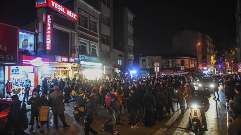 Τουρκία: Ουρές και κυκλοφοριακό χάος τη νύχτα μετά την ξαφνική απαγόρευση της κυκλοφορίας