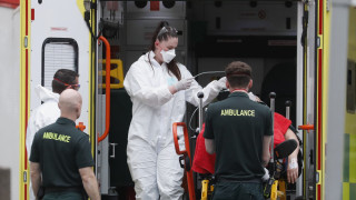 Κορωνοϊός - Βρετανία: 917 νέοι θάνατοι - Εντείνεται η κριτική για ελλείψεις στα νοσοκομεία