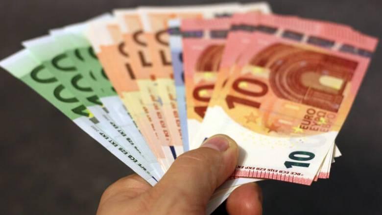 Κορωνοϊός: Μετά το Πάσχα θα λάβουν τα 800 ευρώ ελεύθεροι επαγγελματίες και μικρές επιχειρήσεις
