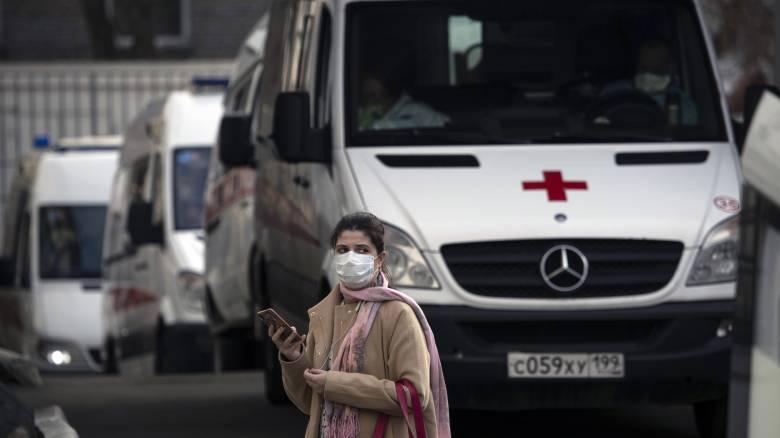 Κορωνοϊός - Ρωσία: Η αύξηση των ασθενών επιβαρύνει τα νοσοκομεία της Μόσχας