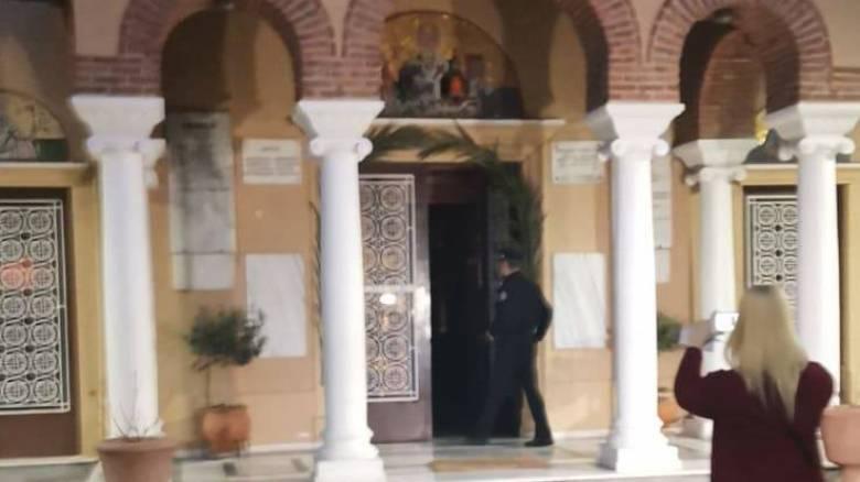 Δυο δικογραφίες σε Αθήνα και Κέρκυρα για ανοιχτές εκκλησίες