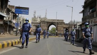 Κορωνοϊός - Ινδία: Η τιμωρία που επέβαλαν σε τουρίστες που παραβίασαν την καραντίνα