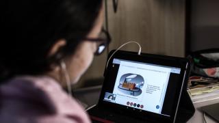 Ένας μήνας εξ αποστάσεως εκπαίδευση: Πάνω από 4.800.000 οι συμμετοχές στις ψηφιακές τάξεις