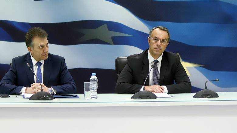 Σταϊκούρας - Βρούτσης: Προς νέα διεύρυνση των δικαιούχων των 800 ευρώ