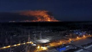 Φωτιά Τσερνόμπιλ: Πλησιάζουν τον ανενεργό αντιδραστήρα οι φλόγες