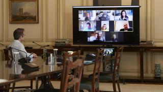 Κορωνοϊός: Τηλεδιάσκεψη Μητσοτάκη με τους ευρωβουλευτές της ΝΔ