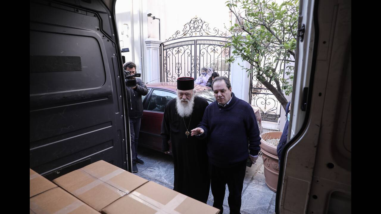 https://cdn.cnngreece.gr/media/news/2020/04/14/215322/photos/snapshot/APOSTOLH-DIANOMH-DEMATON_14April20_01.jpg