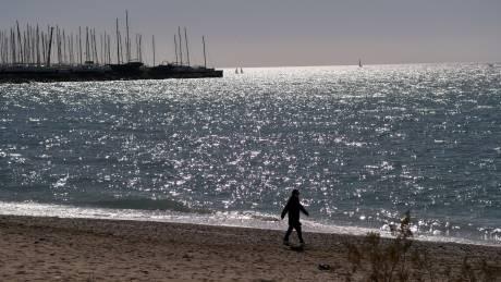 Κορωνοϊός: Άρση περιορισμών κολύμβησης για άτομα με σοβαρά προβλήματα υγείας