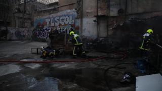 Φωτιά σε υπαίθριο οικόπεδο στο κέντρο της Αθήνας