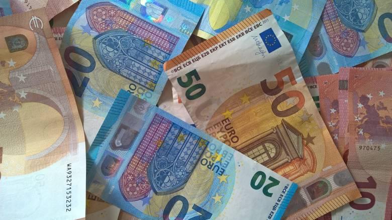 Κορωνοϊός: Εγκρίθηκε το κονδύλι για την πληρωμή των 800 ευρώ - Οι ημερομηνίες καταβολής