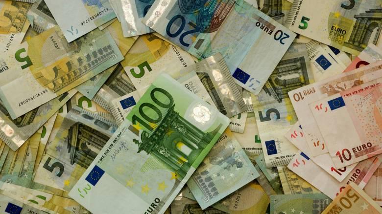 Επίδομα 400 ευρώ για τους μακροχρόνια ανέργους: Πώς θα γίνει η καταβολή του