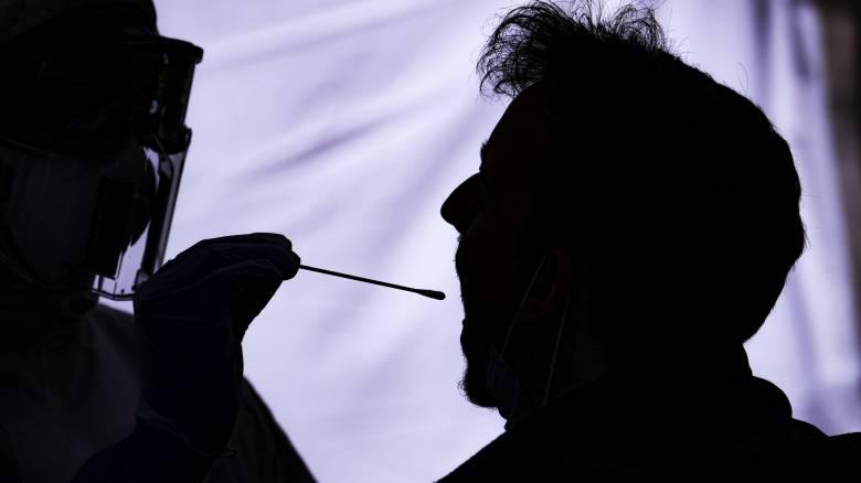 Κορωνοϊός: Η ανησυχία για το «δεύτερο κύμα» και τα νεότερα για το εμβόλιο