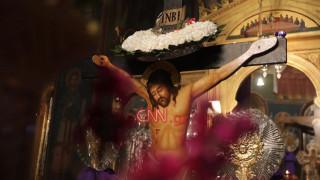 Κορωνοϊός - Πάσχα: Άδειες από πιστούς οι εκκλησίες λόγω των μέτρων κατά της πανδημίας