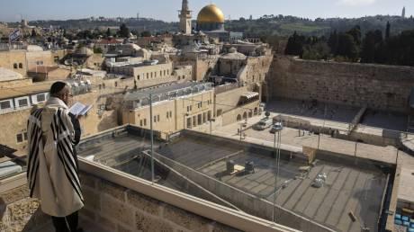 Πρωτόγνωρες εικόνες από την άδεια Ιερουσαλήμ