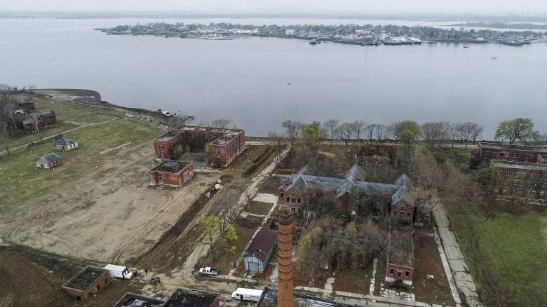 Νέα Υόρκη: Πρόταση για φωτισμό του νησιού Χάρτ, τάφου θυμάτων της πανδημίας του κορωνοϊού