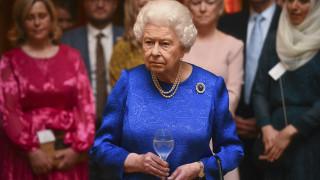 Κορωνοϊός: Η βασίλισσα Ελισάβετ ακυρώνει για πρώτη φορά τους κανονιοβολισμούς για τα γενέθλιά της