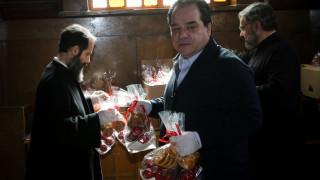 Αρχιεπισκοπή και «ΑΠΟΣΤΟΛΗ» μοίρασαν κόκκινα αυγά μεταφέροντας το χαρμόσυνο μήνυμα της Αναστάσεως