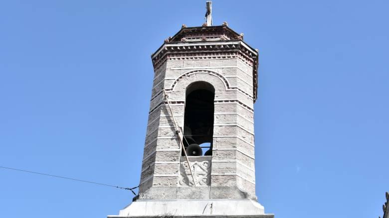 Κορωνοϊός: Ελεύθεροι οι συλληφθέντες έξω από εκκλησία στον Κορυδαλλό